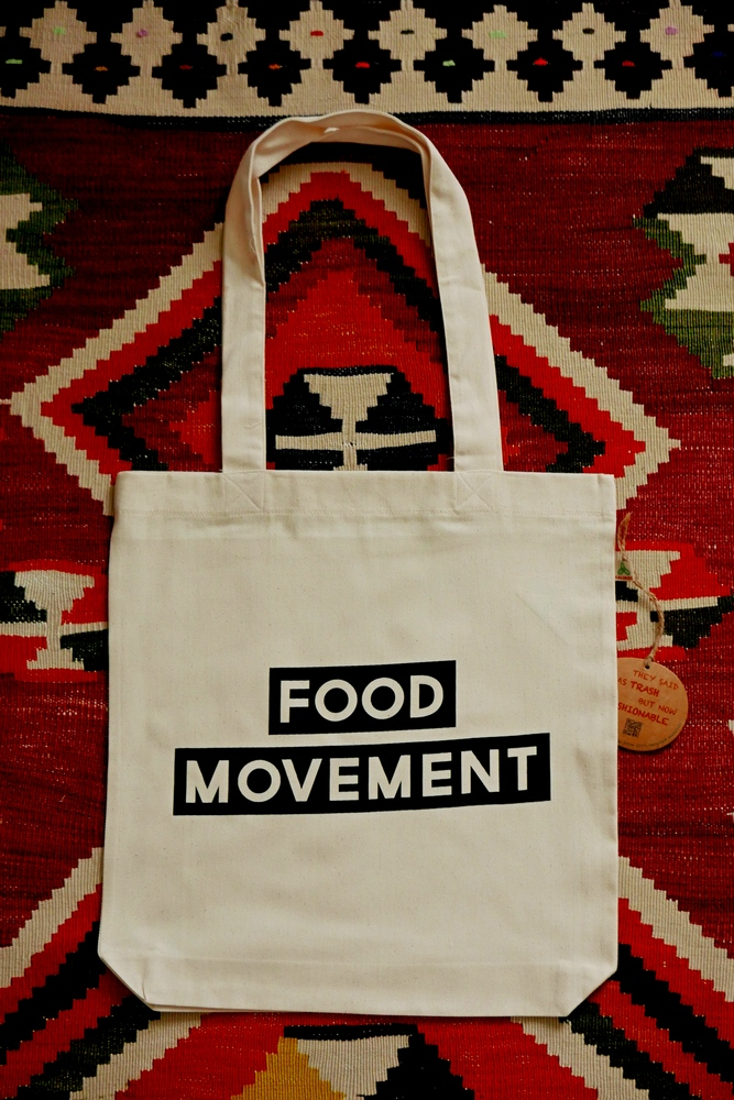 food movement How to get started in the slow food movement slow food is a food movement that focuses on clean, locally prepared food that tastes good without harming the environment or your health.